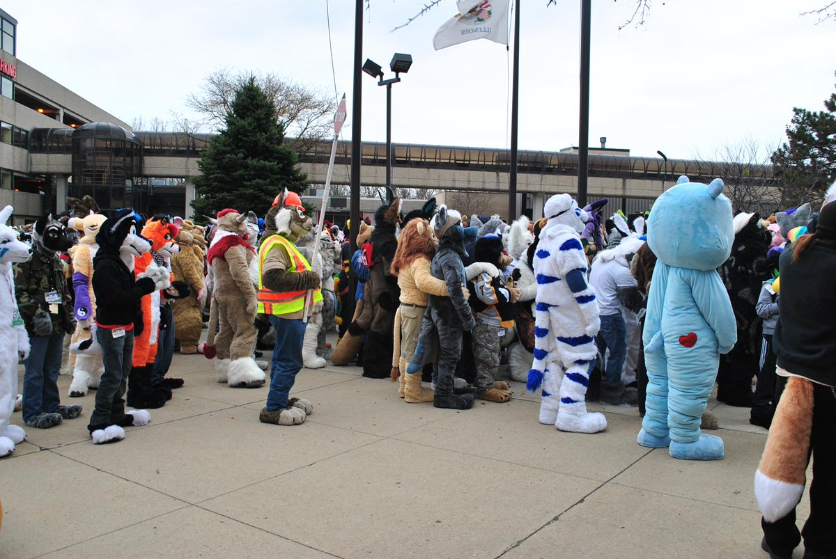 #Furries evacuated from #Chicago-area hotel due to intentional chemical leak: http://t.co/EKhyTJCB58. #midwestfurfest http://t.co/81SkVs4c8A