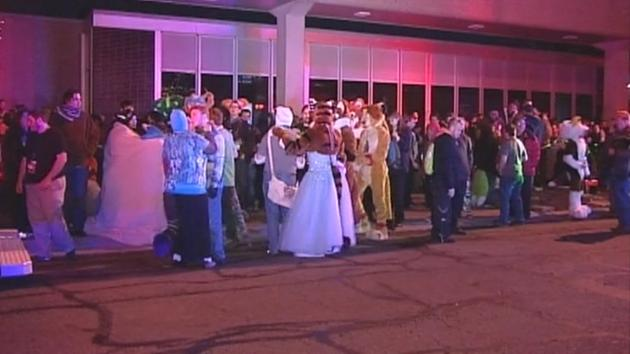 PHOTOS: FurFest evacuated after chemical leak at Hyatt hotel - http://t.co/2P8zgxX1L3 http://t.co/7aSVil3B6y