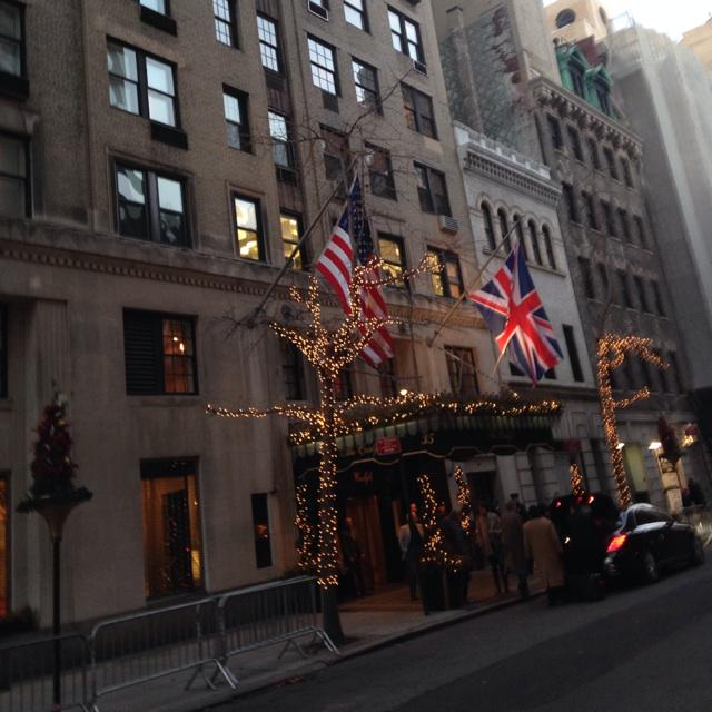 The Carlyle hotel where Kate and William are staying in #nyc #royalsinnyc http://t.co/idyaZTj4TF