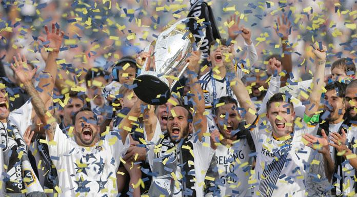 The LA Galaxy celebrate their fifth MLS Cup (@DiarioDeportivo/Twitter_