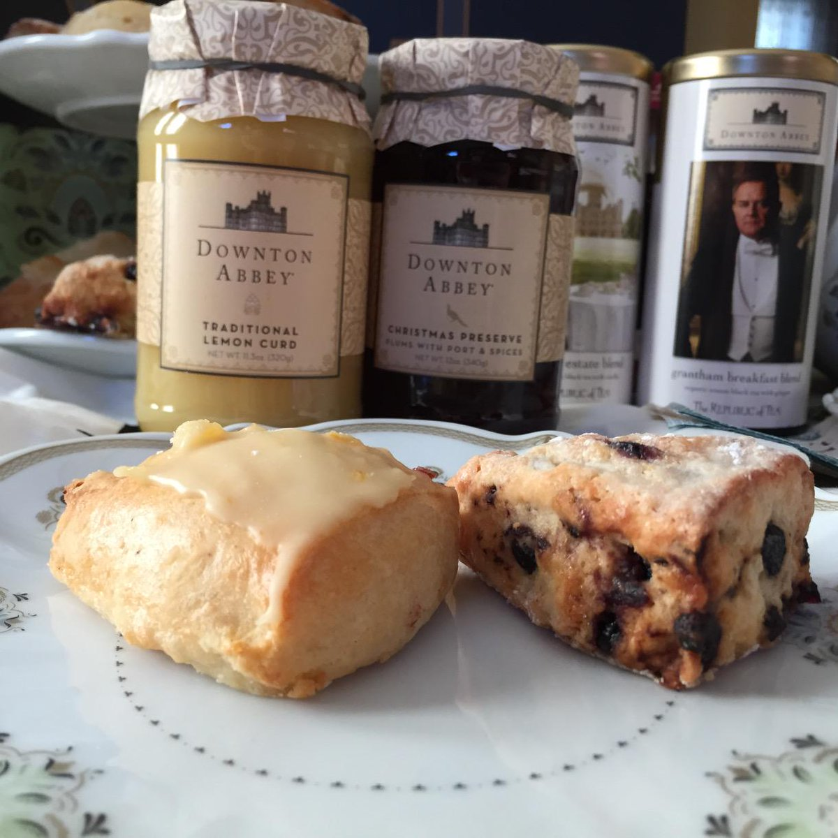 Our #DoTheDownton tea party guests enjoyed orange and blueberry scones with their @worldmarket @republicoftea http://t.co/TLt5oXvwMA