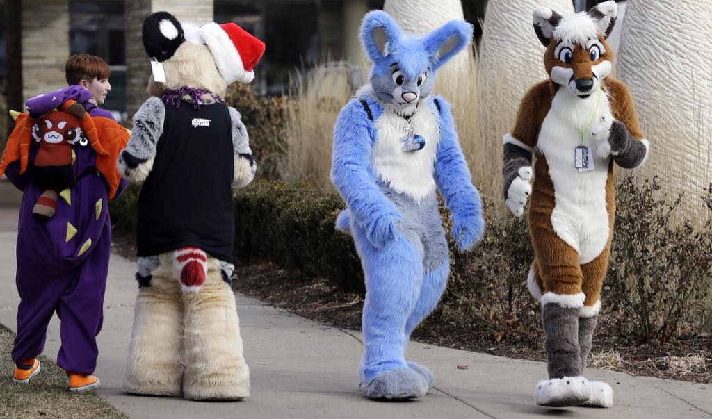 Furries gassed in Chicago. Midwest Furfest 2014 disrupted by chlorine gas prank http://t.co/cOeALY1QTZ http://t.co/MyHSkObP8s