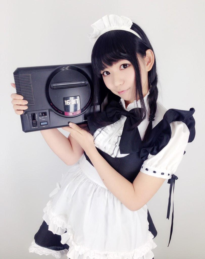 SEGAのゲームは世界一ぃぃぃぃ!メイド服とメガドライブって合うね! http://t.co/NlLue33AqA