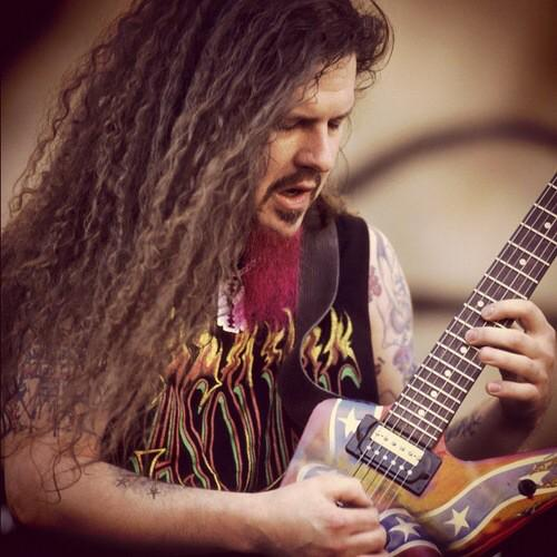 R.I.P. Dime \m/ ALL day today @sxmliquidmetal remembers the pink beard in the sky, Dimebag Darrell. 10 years gone. http://t.co/OMGcXgQtr0