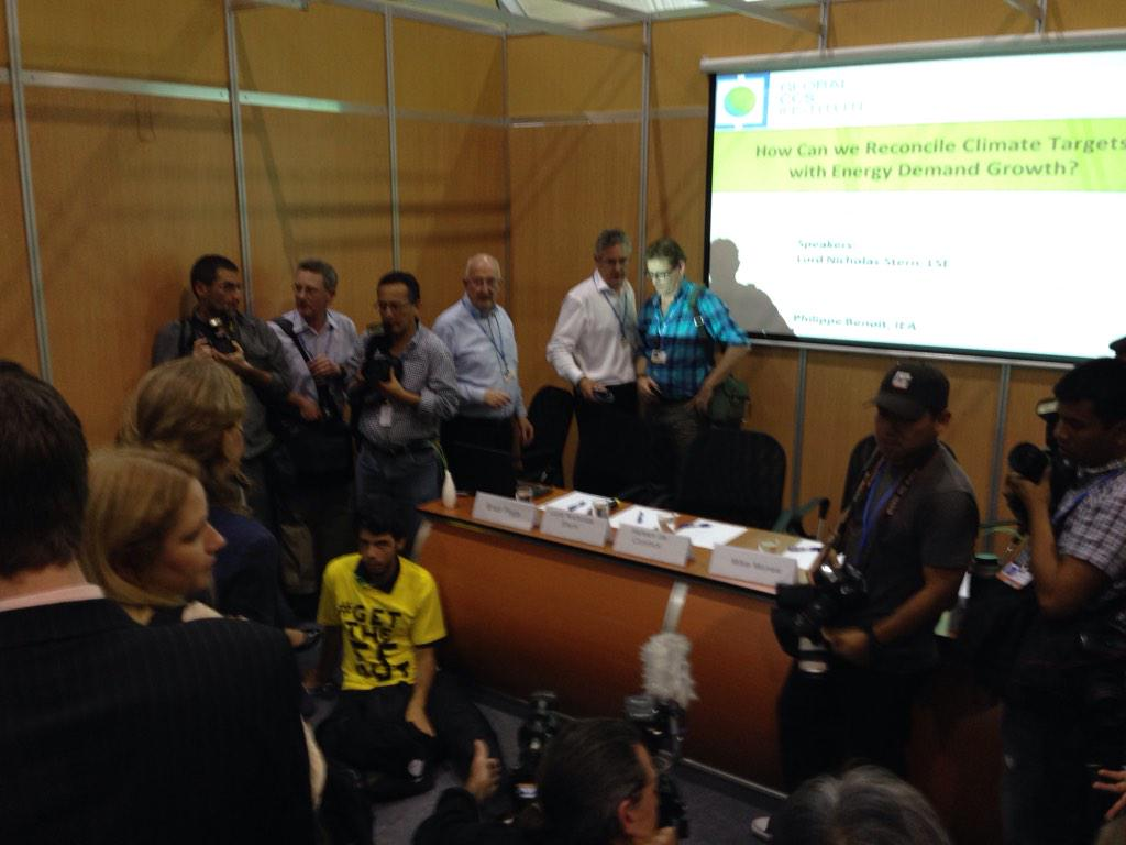 Activists have kept the Shell side event from starting. Speakers can't get in. #GetTheFFout http://t.co/qcU90ohNKb