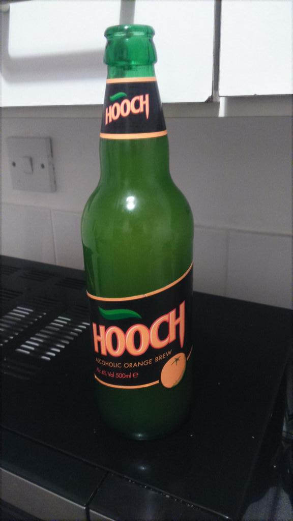 RT @swASHbucklerJ93: After a hard days work, nothing beats a nice chilled ooch #hooch @lemontwittor http://t.co/FeChsS09zl