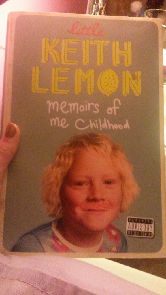 RT @MeganKate3006: Last purchase of the year, can't wait to read! #oosh @lemontwittor http://t.co/aOZl8gI4EA