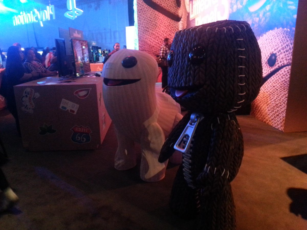 The #LBP3 crew. #PSX #PlayStationExperience #PlayStationMVP @LittleBigPlanet @SumoDigitalLtd @PlayStation http://t.co/ZnjY5oZIho