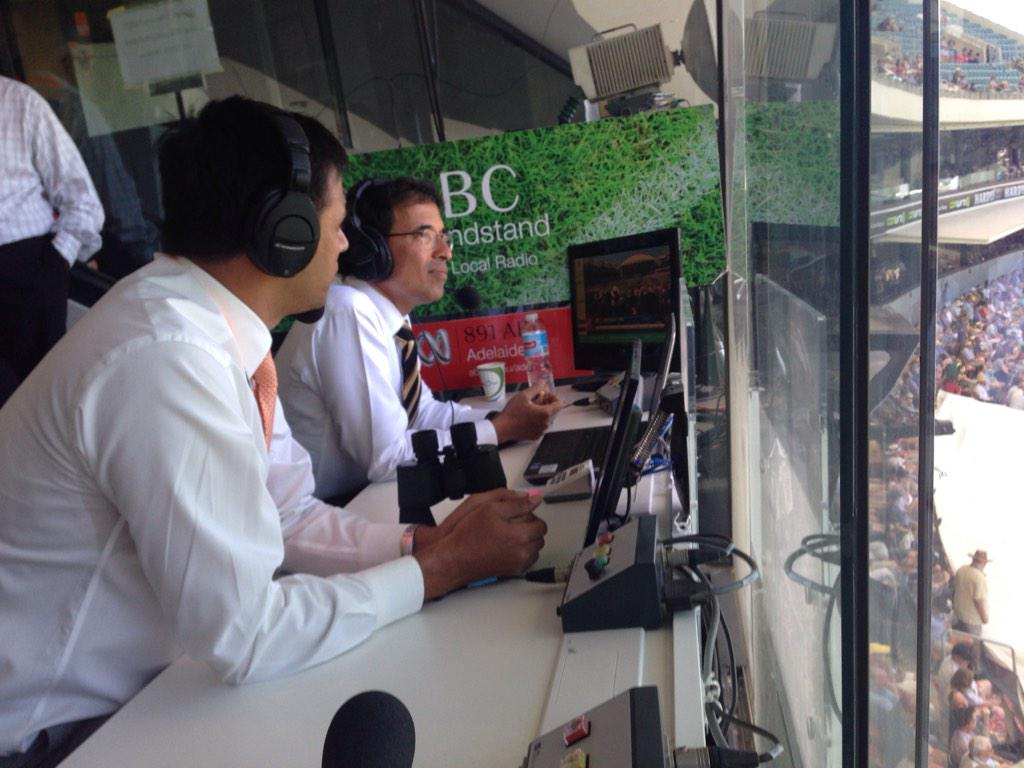 Great to have our friends from India @bhogleharsha & Rahul Dravid on @abcgrandstand in Adelaide #AUSvIND http://t.co/NGCvrCLH5u