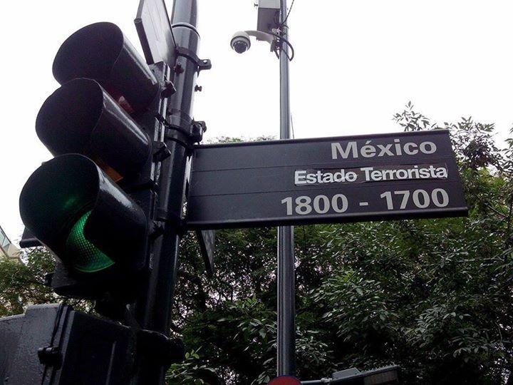 Letrero intervenino en Buenos Aires. ¡Ese apoyo si se ve!  #YaMeCanse2 http://t.co/VEJeyPo9hD