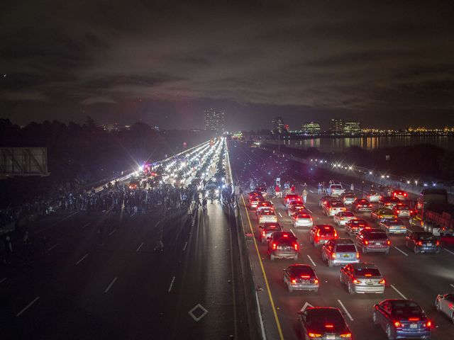 This is what I-580 looked like tonight in #Berkeley ~ #berkeleyprotests  #ShutItDown #ICantBreathe http://t.co/gGa1f2dUj9