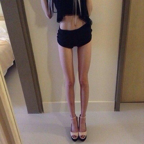 anoreksichki-rakom-razdvigayut-popi