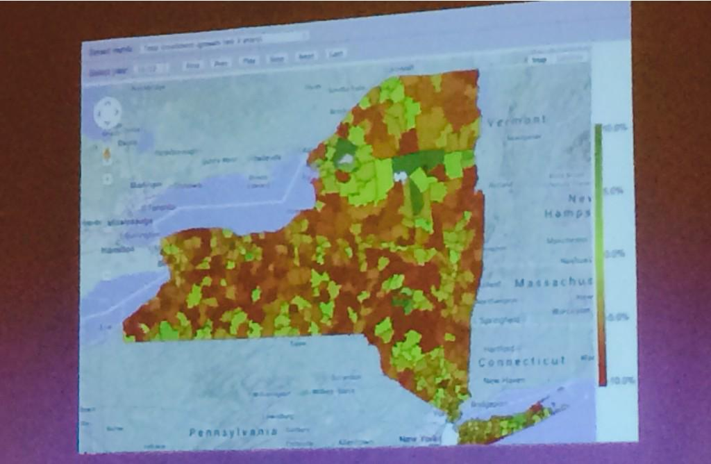 """@RonDeutsch67 @johnsippel red #schooldistricts = -10% in enrollment. """"Hollowing out"""" @nyschoolboards #solvefiscalNYS http://t.co/Y96B4tF1j3"""