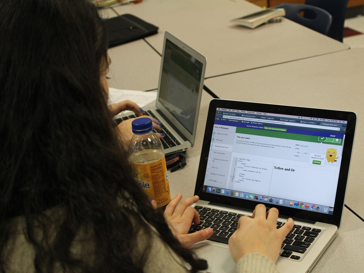 More #coding from chemistry class as part of #hourofcode! #CSEdWeekMA #CSEdWeek @masstlcef http://t.co/nwaoV2cOxj