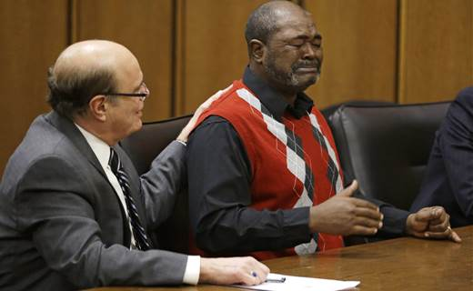 Ohio man exonerated after spending 27 years in prison for murder he didn't commit http://t.co/s7jO9Ett6t http://t.co/2dk10V2Im0