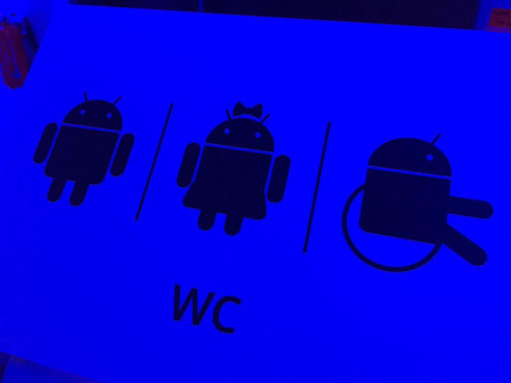 Les WC chez @Google ^^ http://t.co/aH6lMgYqrw