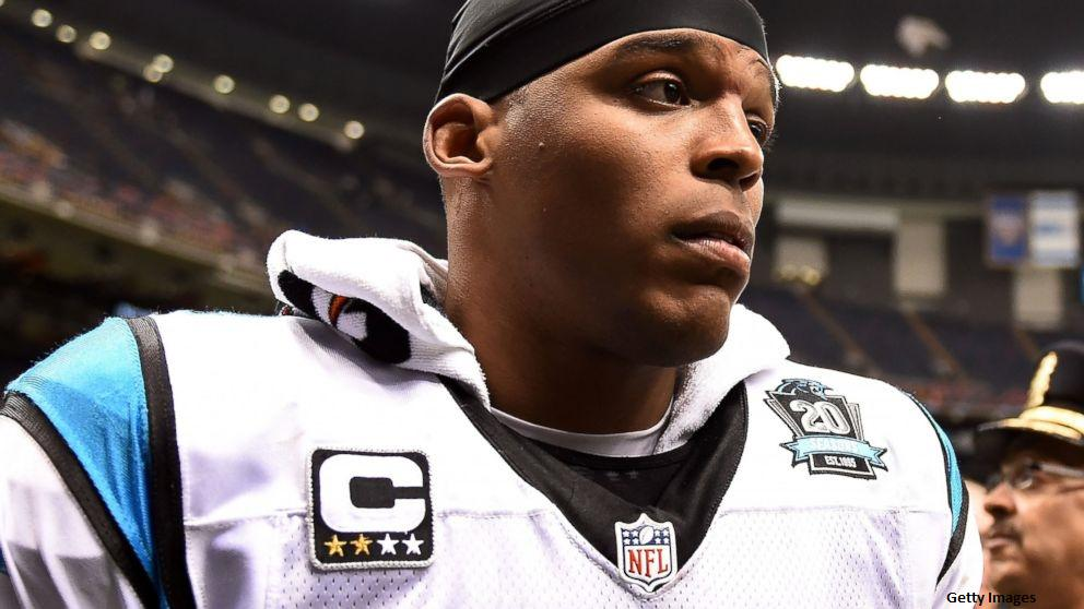 Carolina Panthers quarterback Cam Newton suffers fractures in his back from car wreck: http://t.co/KxXhedNLlB http://t.co/TTsXUJqacA