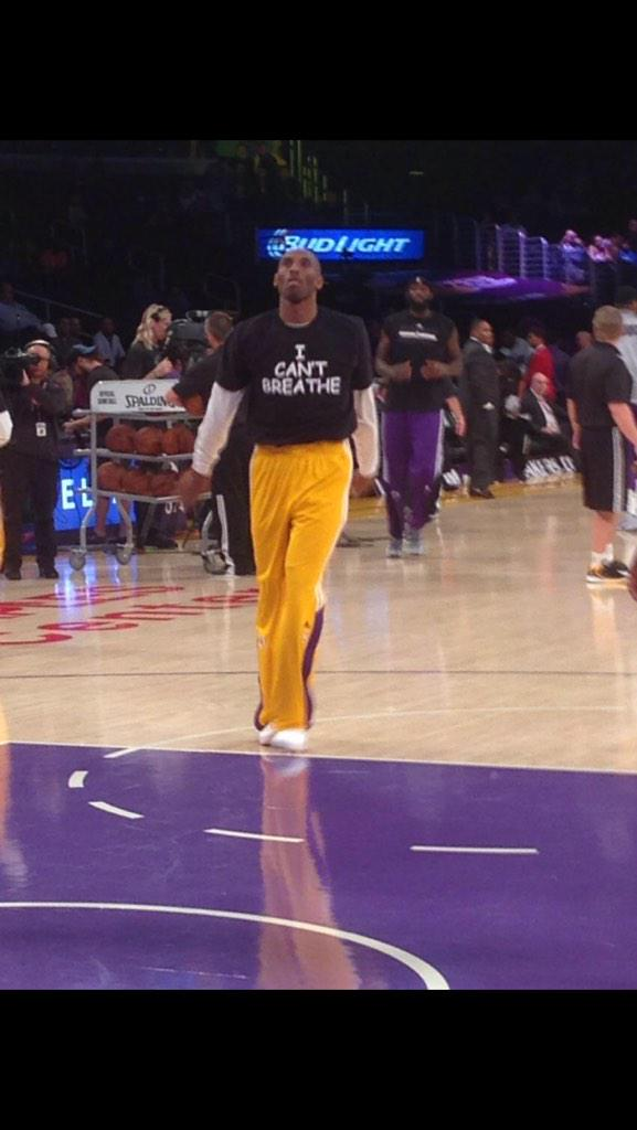 "Kobe Bryant and the Los Angeles Lakers also wearing the ""I Can't Breathe"" shirts. #EricGarner #ICantBreathe http://t.co/fNgv3JXS3U"