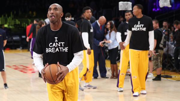 "Kobe Bryant and the Lakers all wear ""I Can't Breathe"" tees before tonight's game http://t.co/cdkUdCpjVZ http://t.co/r6a3O67eTR"