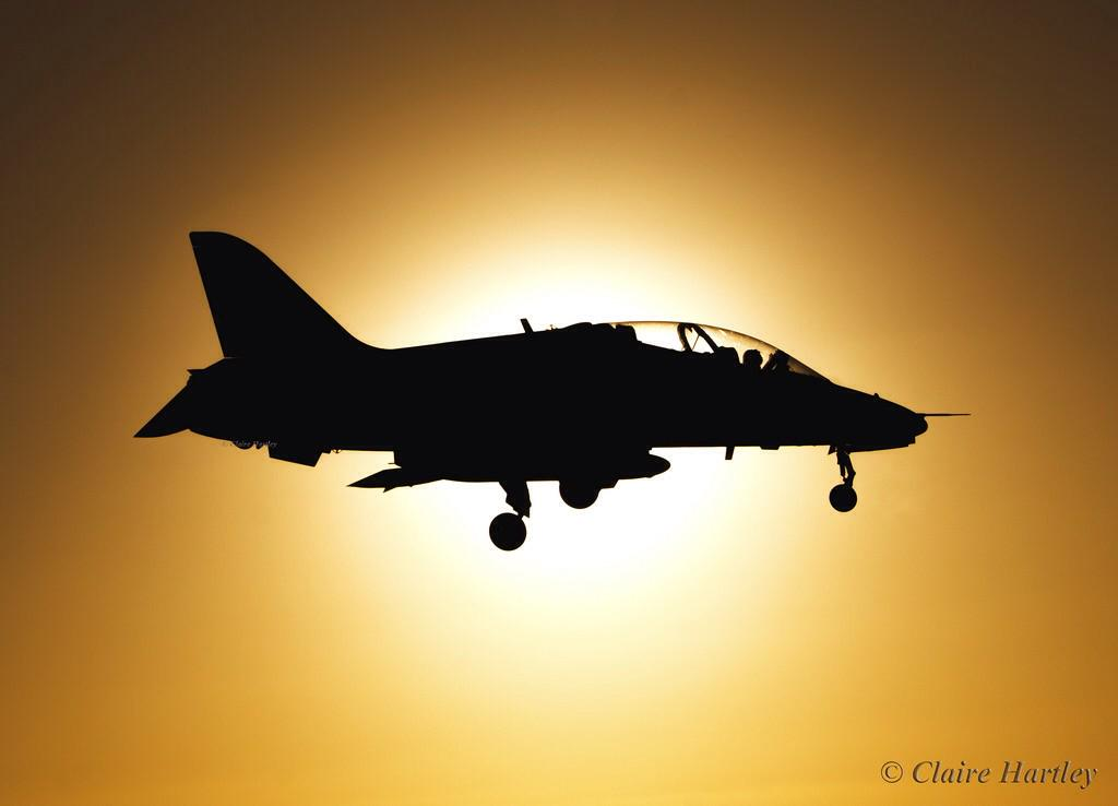 """""""@CHartleyPhotos red arrow landing at Scampton with the sunrise behind it this morning http://t.co/l2RbQgrqPz"""" a stunner x"""