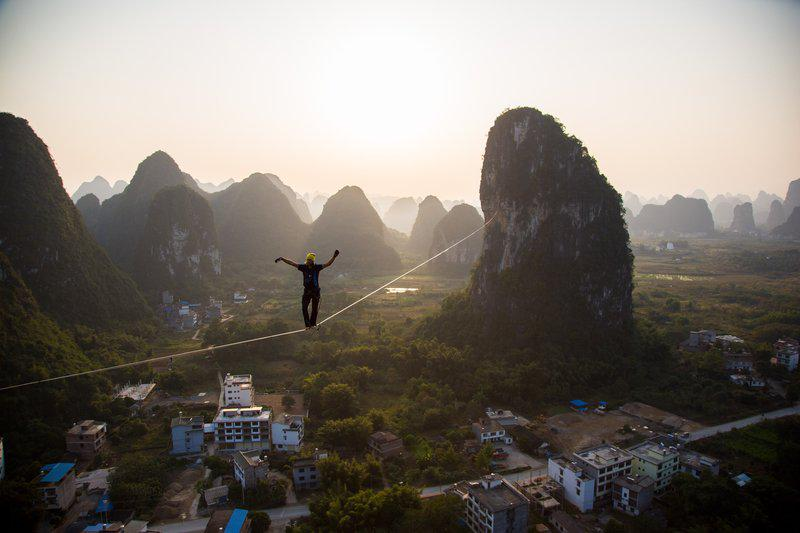 """""""@RedBullUK: Breaking records in the Chinese jungle -Alex Schulz smashing the highline world record http://t.co/ns5O8bTU5d"""" GULP"""
