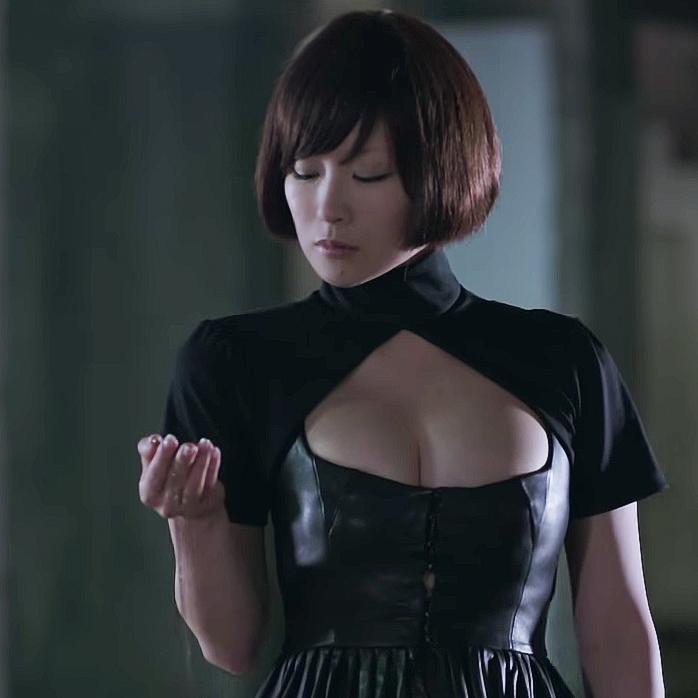 「椎名林檎 胸」の画像検索結果