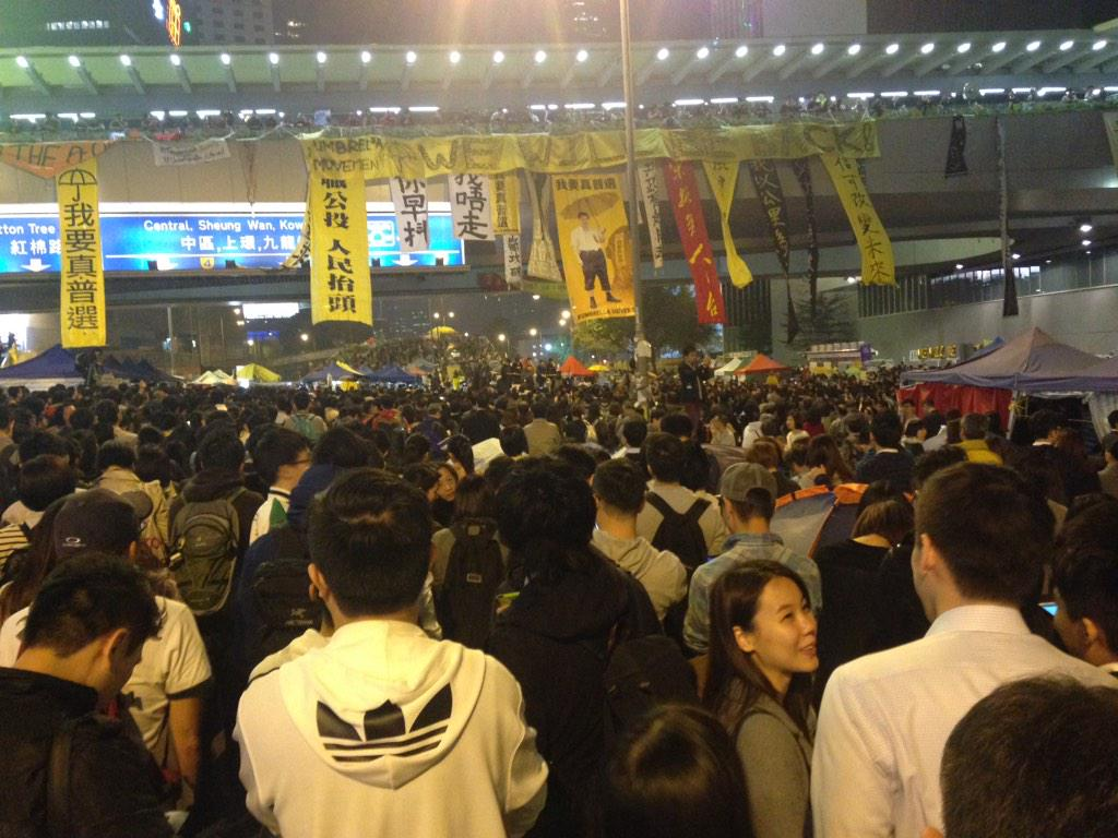 Back at the #UmbrellaMovement camp on its last night. The place is packed, so busy. Media everywhere. #HongKong http://t.co/L5vIBkmqGe