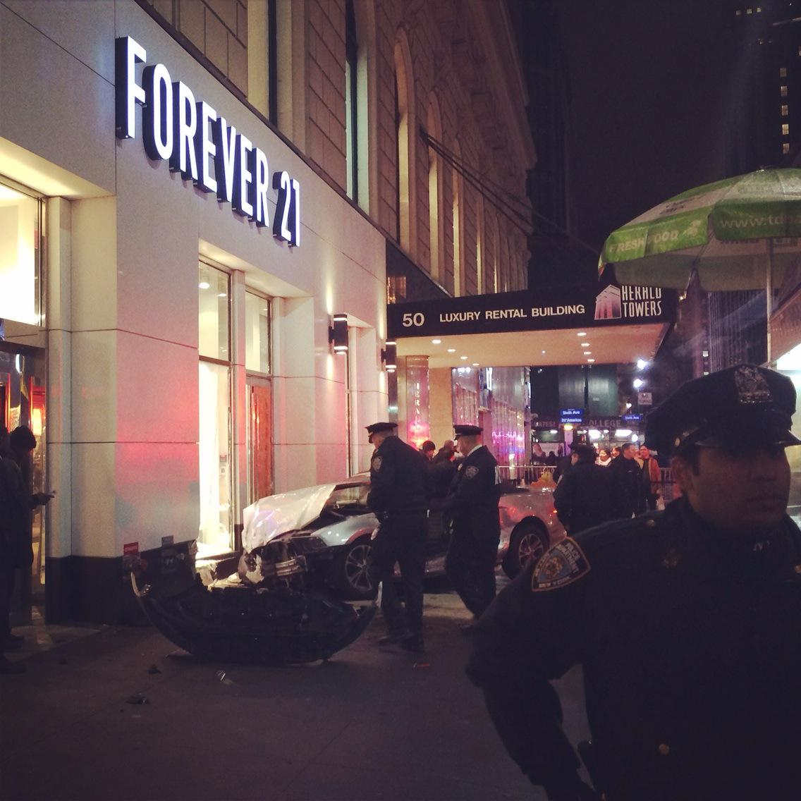 """@MahsaWho: Car drives into forever 21 store on 34th street. @ny1 http://t.co/4P5gBNYjoI"" Thankfully, had passed that spot 20 secs earlier!"