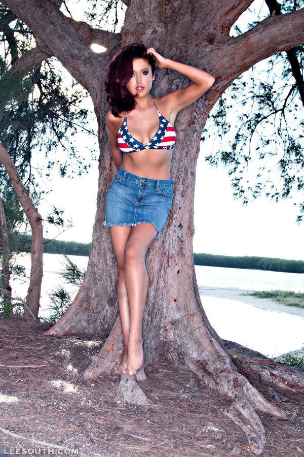 America's Sweetheart? Maybe. A #HeymanGirl? Definitely!!! xoxo @HeymanHustle #HustleBootyTempTats #USA @LeeSouthPhoto http://t.co/D8ssVdOnnz