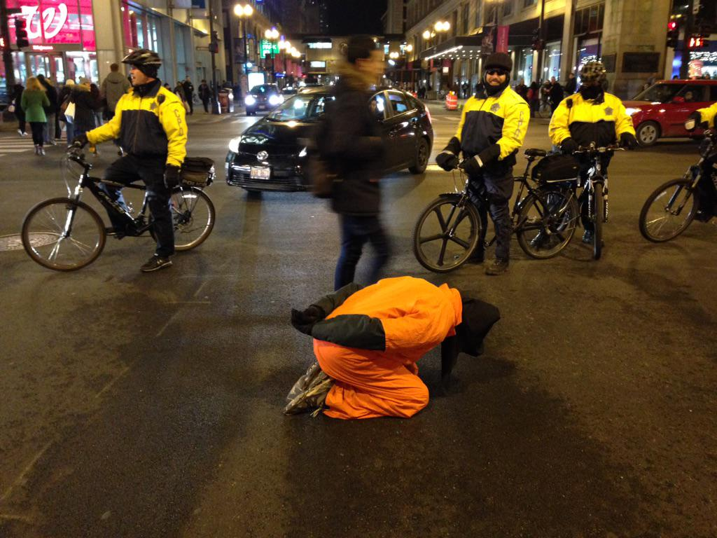 Chicago protests torture on Human Rights Day