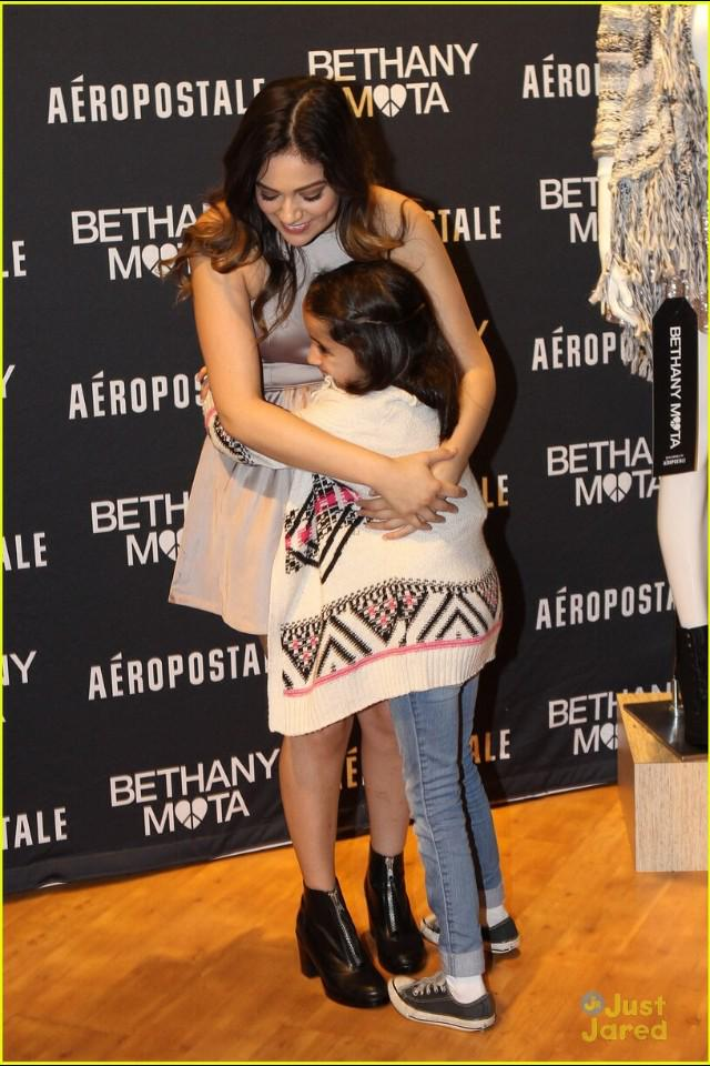 Bethany mota ph on twitter hq bethany at a meet and greet event 1233 am 11 dec 2014 m4hsunfo