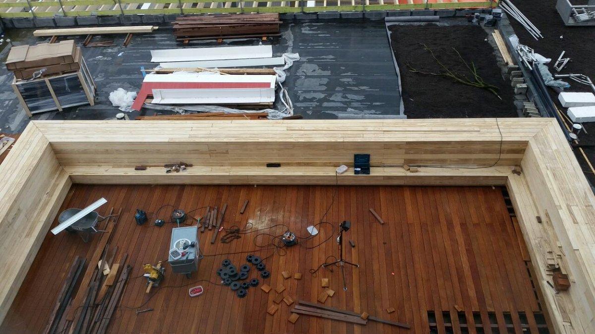 Wijma kampen on twitter wijma realiseert houten bank en terras op het dak van het stadhuis in - Bank terras hout ...