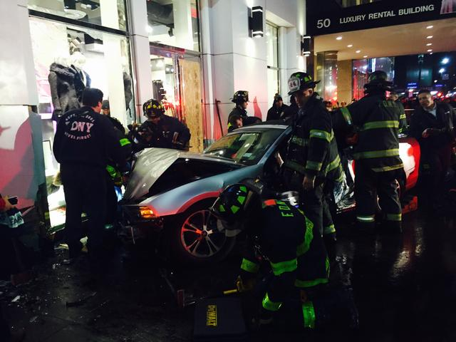 Car Jumps Midtown Curb, Hits Pedestrians And Crashes Into Forever 21  http://t.co/UYjON8Jo93 http://t.co/8PIq4WEvX6