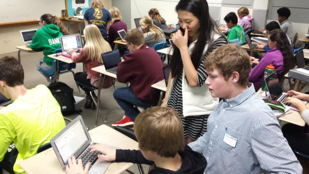 Problem solving in Mr. Lenz ' s class. #hourofcode http://t.co/RybzLRc9MX