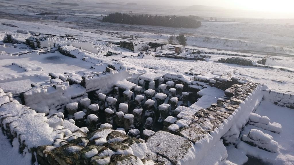 Winter is coming: snow has fallen over Housesteads Roman Fort on Hadrian's Wall #UKsnow http://t.co/AqWFxhEj4O