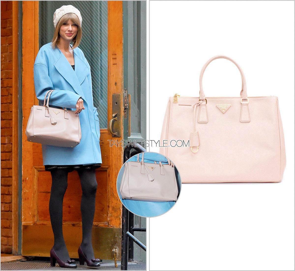 5d826ab87e4b Taylor Swift carries @Prada bag and wears @CHANEL bow cap-toe pumps —  December 11, NYC. http://tayswiftstyle.com pic.twitter.com/G69MQkUCni