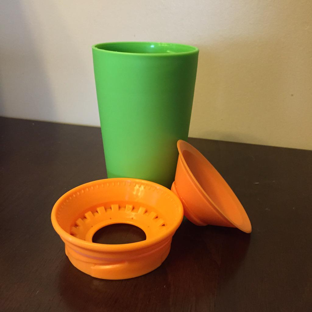 @classymommy love how easy it is to clean our #WowCup! It comes apart in 3 easy pieces http://t.co/7FDcuCpBlo