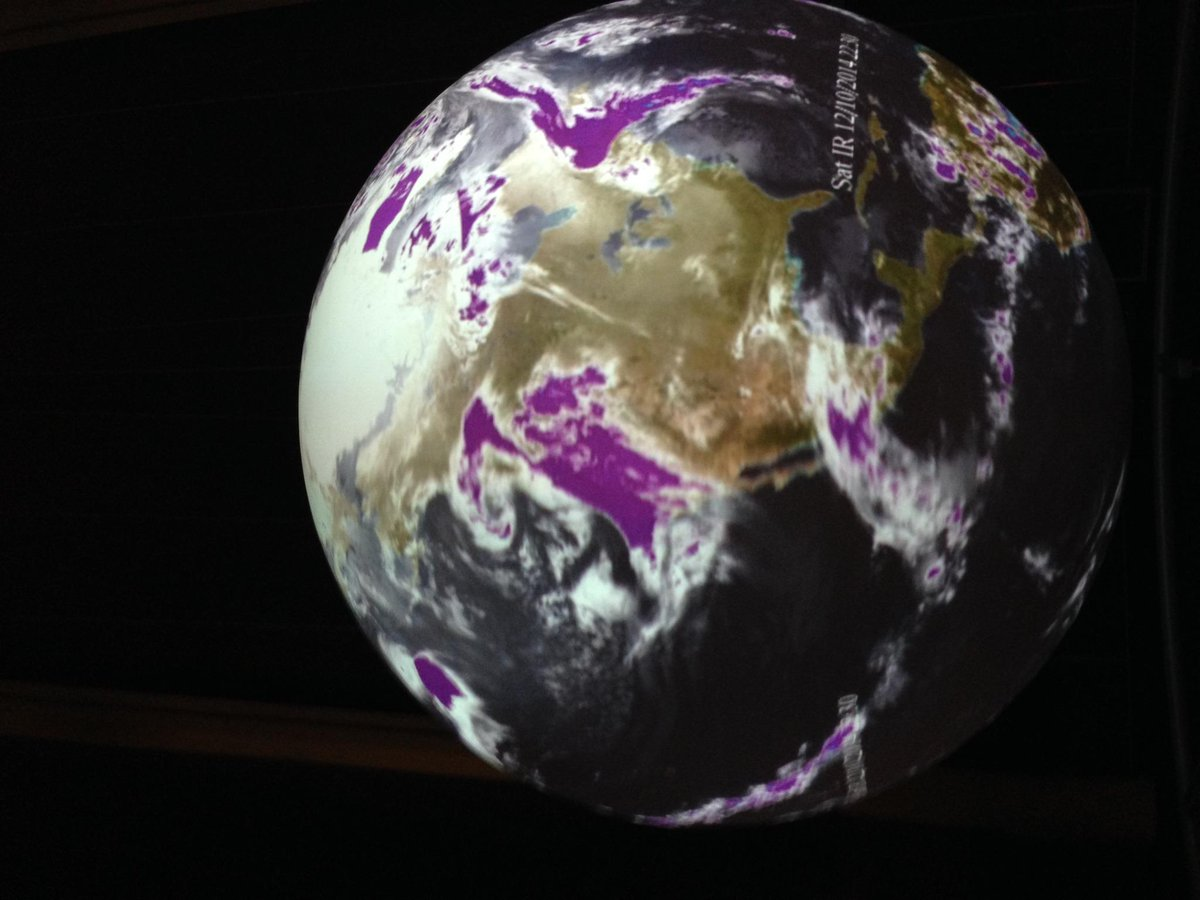 Wondering how big the #BayAreaStorm really is? Come check out live weather data in Science on a Sphere. We're open! http://t.co/htKtNIjc7m