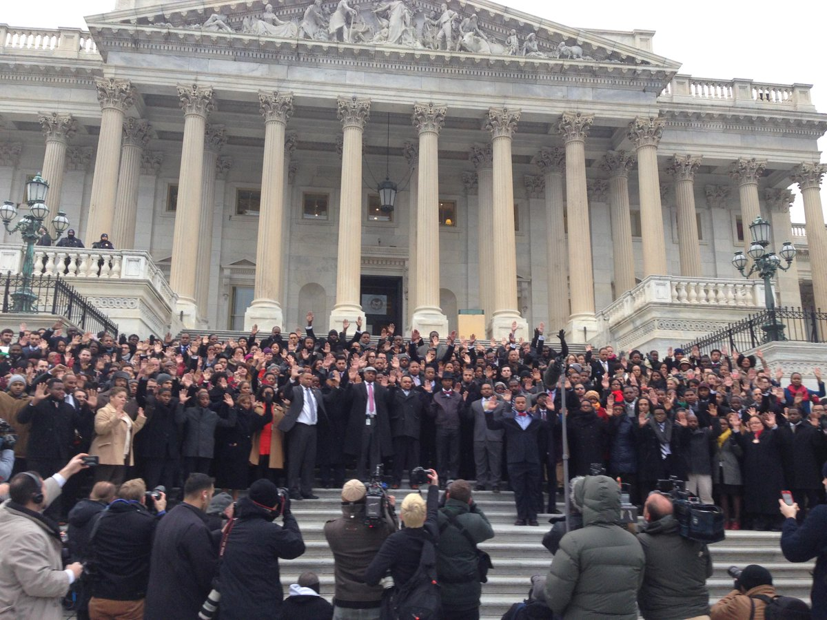 Dozens of staffers gather on Capitol steps to protest police brutality #BlackLivesMatter #AllLivesMatter http://t.co/R6OaNT3ZDe