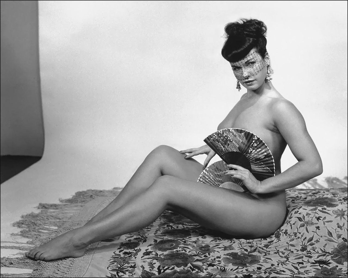 Twitter Bettie Page naked (22 pics), Selfie