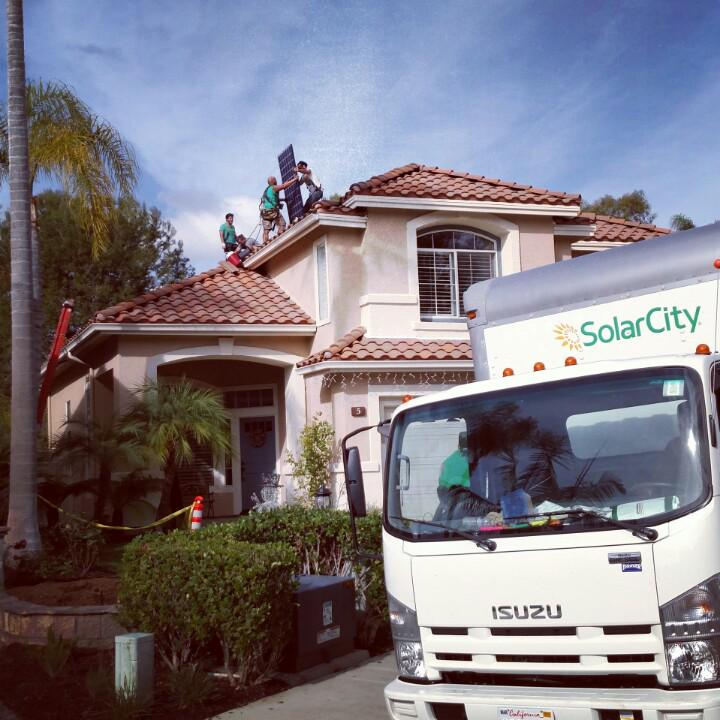 Another happy family going solar for $0 out of pocket, just cheaper, cleaner electricity. @SolarCity #LoveWhatYouDo http://t.co/oJBbo6Bqdw