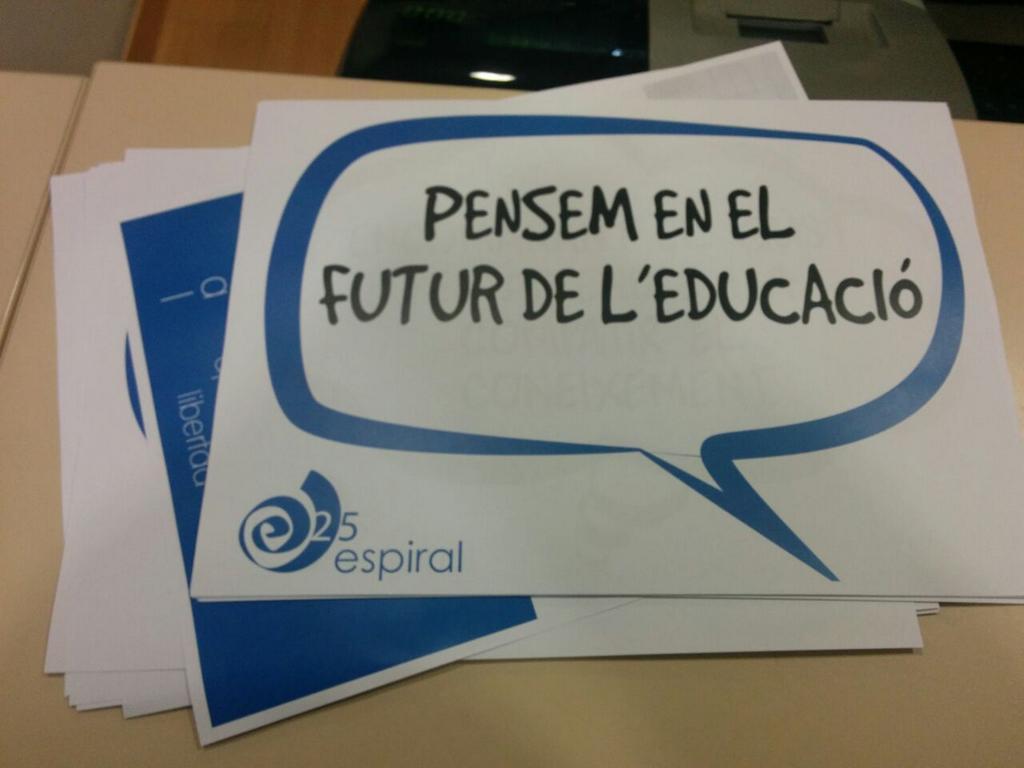Pensando en el futuro de la educación. #Jespi25 Comenzamos a las 17:00 http://t.co/f7F2y1JAEI