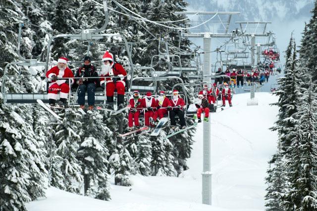 12月13日(土)はウィスラーで「サンタ・デー」というイベントがあります。サンタさんの服装でウィスラーに来た先着100名は、リフトチケットが無料!というイベント。ウィスラーはこんな感じになります(笑)! http://t.co/Z65hsaUgOH