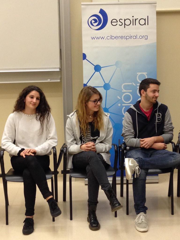 .@ismaelcabezudo @epmataro students: Esther Cisa, Einar Iniesta i Julia Ventura participating in #JEspi25 http://t.co/ehHDqqxgJx @xsune