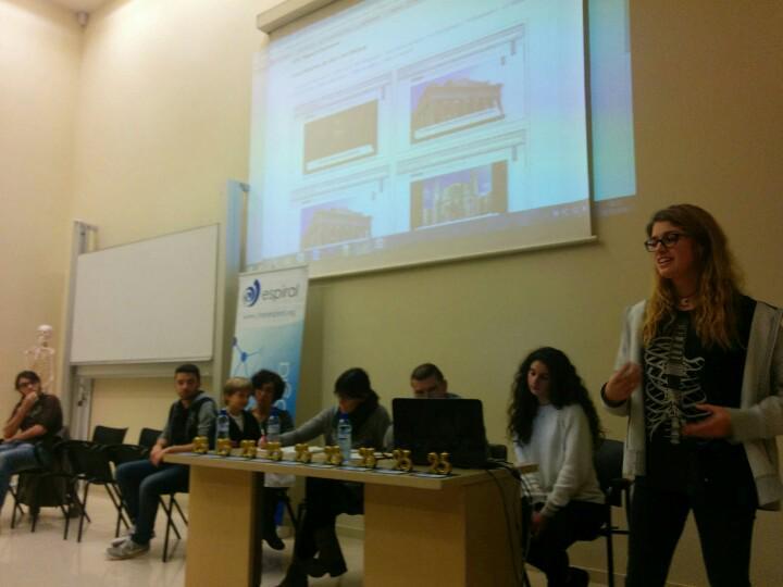 #JEspi25 De Mataró, escola Pia, han vingut a parlar de #flippedclassroom els alumnes. Avui, protagonistes del futur! http://t.co/UZA7xClBLl