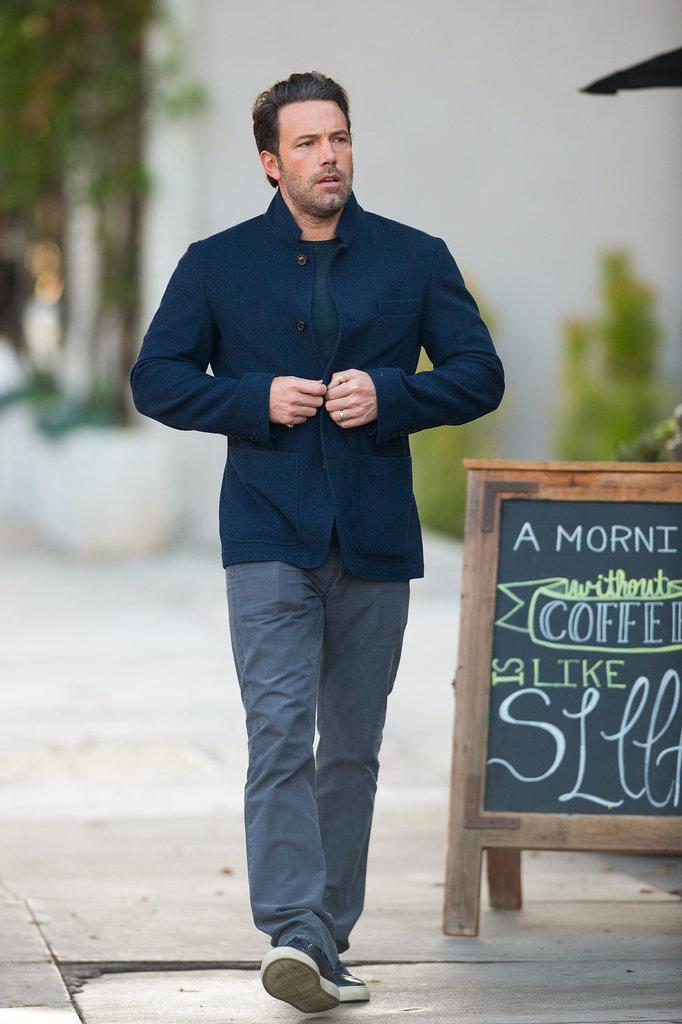 Proof that #BenAffleck looks just as good with his clothes ON: http://t.co/XJF2D3uzb7 http://t.co/mqMRM3p8db