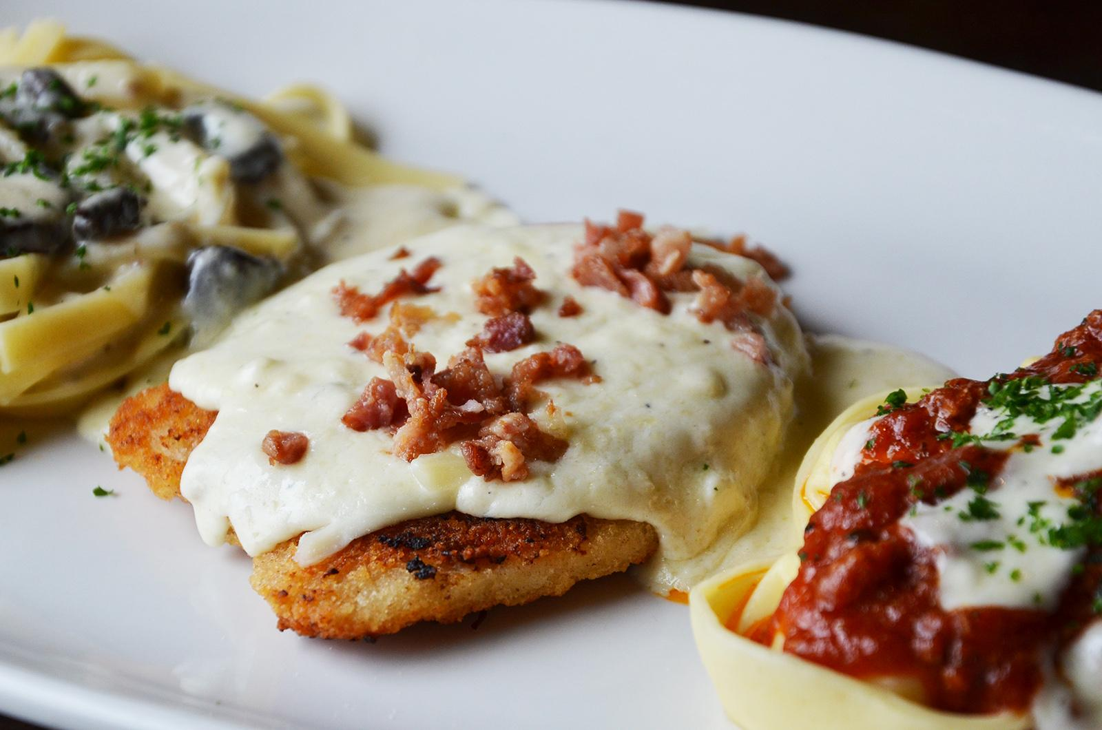 Olive Garden On Twitter Chicken Lombardy Topped With Smoked Mozzarella And Provolone Cheese