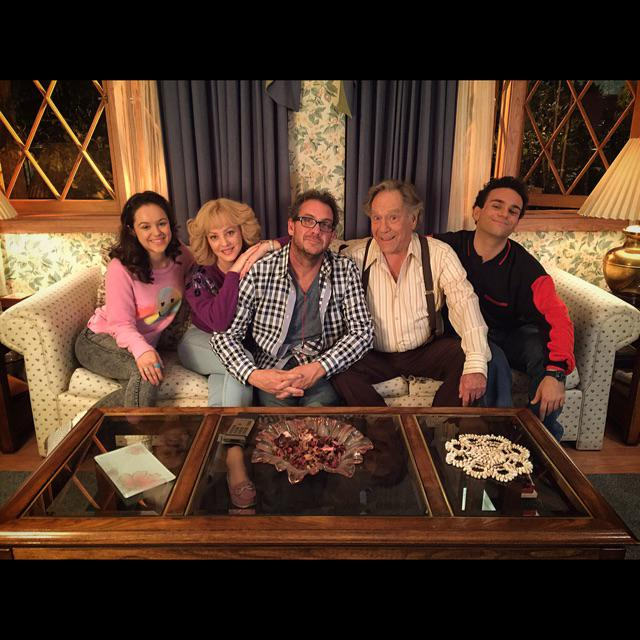 Thanks for making me feel at home @thegoldbergsabc @wendimclendonco @hayleyorrantia @jeffgarlin @RealTroyGentile http://t.co/R8vnaUT5Xh