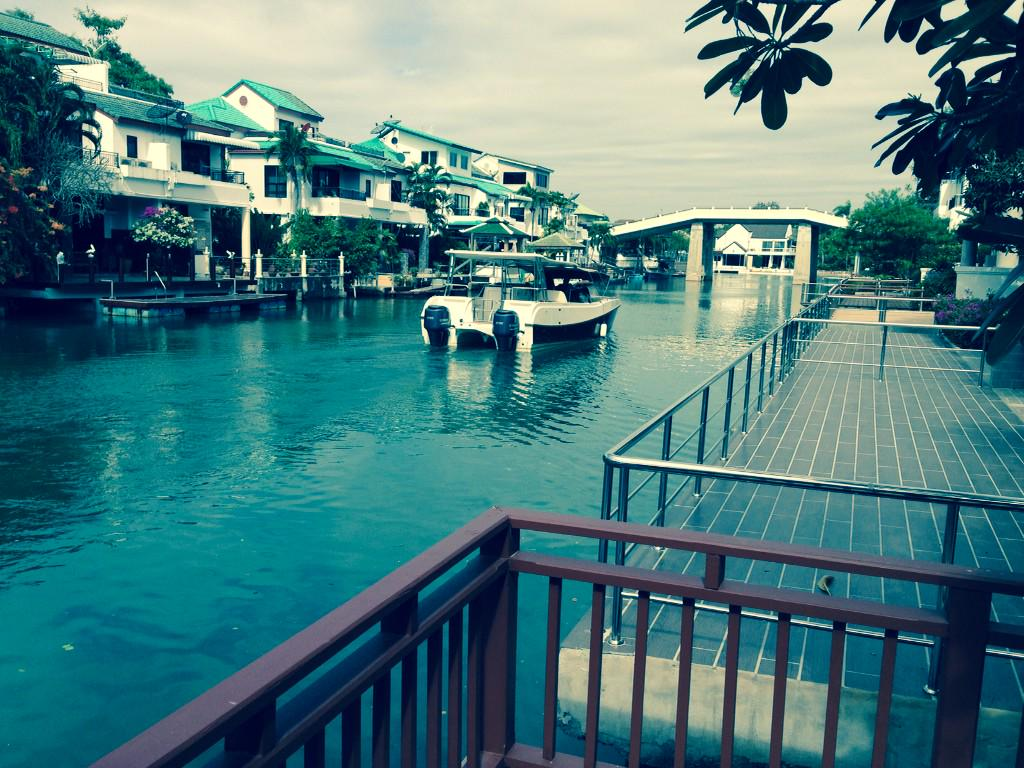 Terrace at OPEN HOUSE #Jomtien Yacht Club 3 11:00 to 15:00 watching the boats #Pattaya https://t.co/Ha1F20qSAU