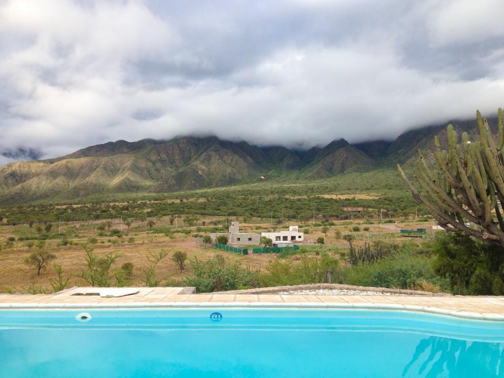 Buen día desde Posada #Qhawana! con @WenceslaoB estamos listos para mostrarles #LaRiojaBlogtrip cc  @visitlarioja http://t.co/uTpcfxL0OL